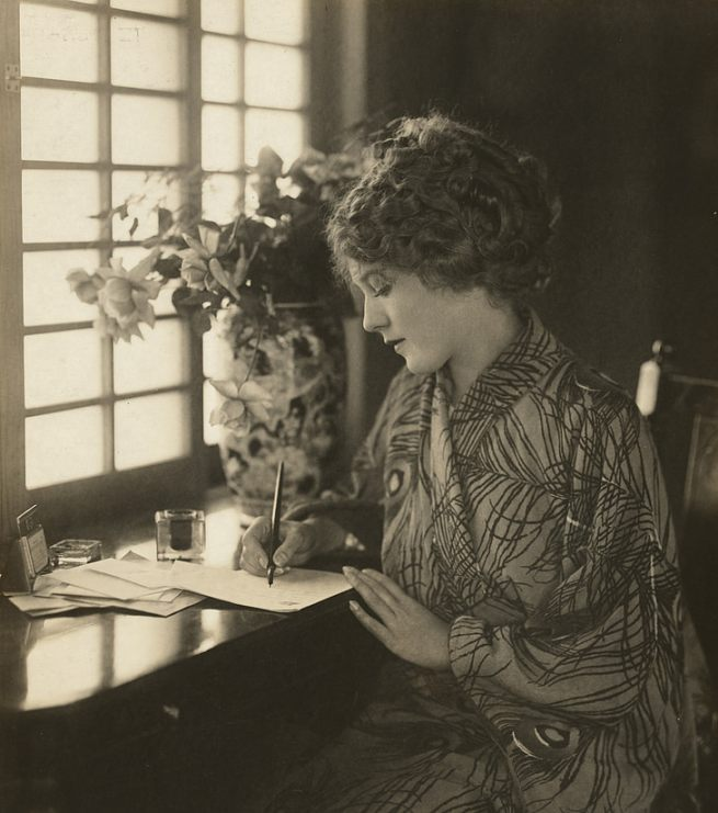 mary-pickford-vintage-actress-historical-preview